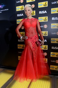 Kelly Khumalo looked breath-taking at the South African Music Awards earlier this year where she won the Female Artist of the Year Award. – image source - www.fashioncapcity.com