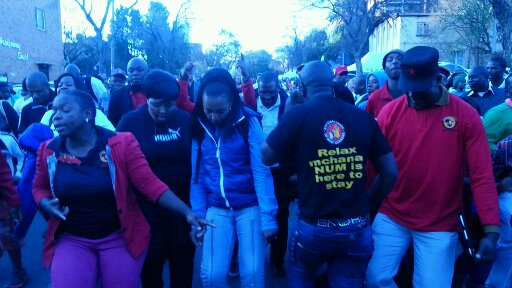 "A band of NUM member chanted ""Relax, Madiba will get well soon, relax!"". – image – publicnewshub.com"