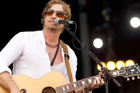 Singer Arno Carstens appeared in the Cape Town Magistrate's Court on a charge of drunken driving. – image - www.whatsonincapetown.com