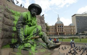 Paul Kruger's statue was spoiled with paint again Image: BD Live.