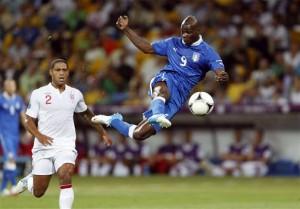 Balotelli who scored the winning goal.  Photo:  4Dfoot.com